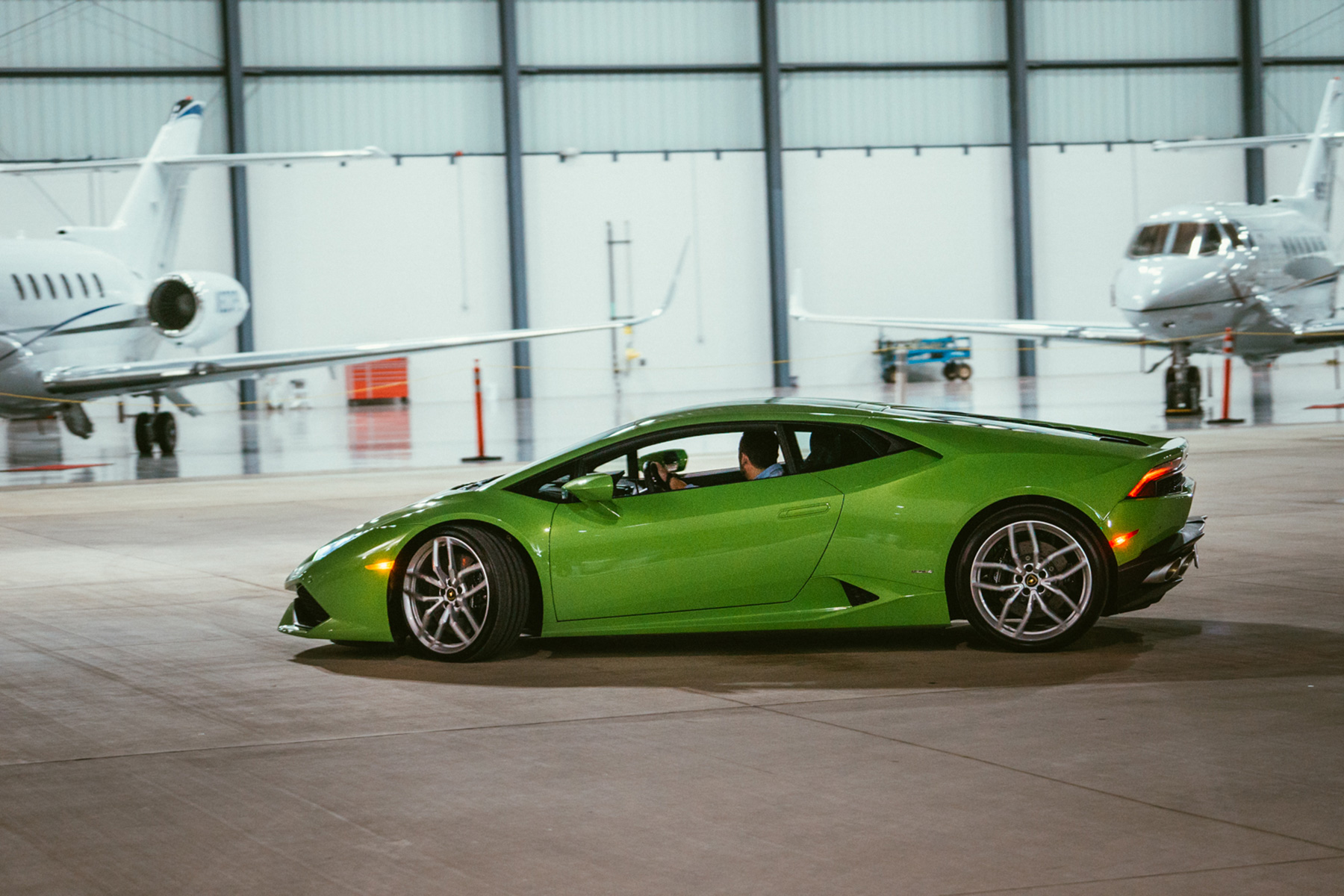 If you don't have a price limit for your gift this Christmas, then a luxury Italian car it is! The Lamborghini Huracan was recently unveiled at Galaxy FBO and we are hooked.  Check out this video from the exclusive event and from everyone at Galaxy FBO we hope you have an amazing holiday season and fly safe. http://vimeo.com/111999151